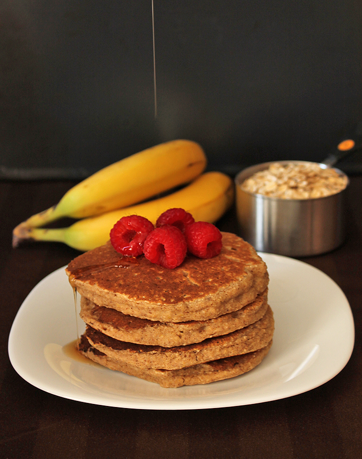 These delicious Banana Oat Pancakes are great to make for the family on a lazy weekend morning!