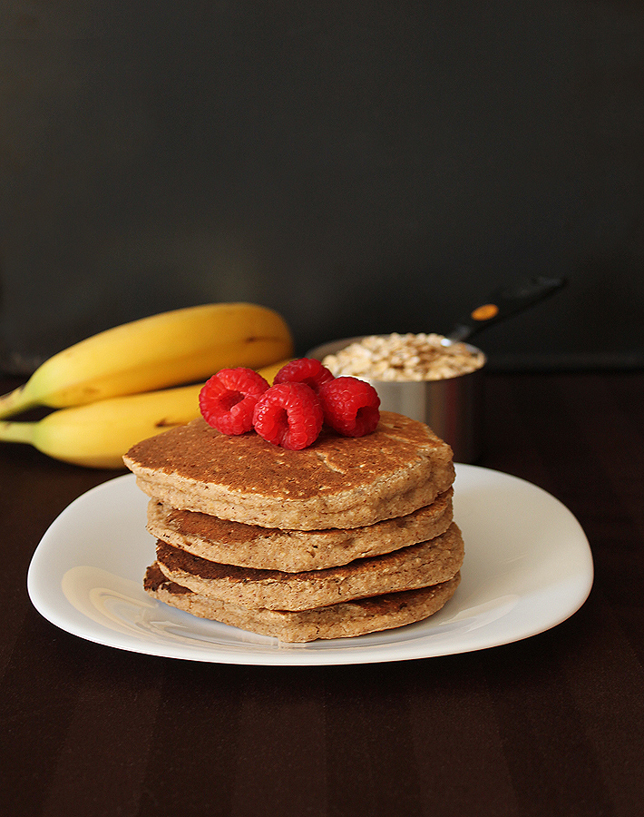 If you're hosting a brunch, your family and friends will love these vegan gluten free Banana Oat Pancakes.