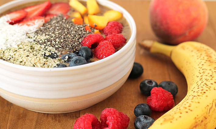 Peach Berry Smoothie Bowl