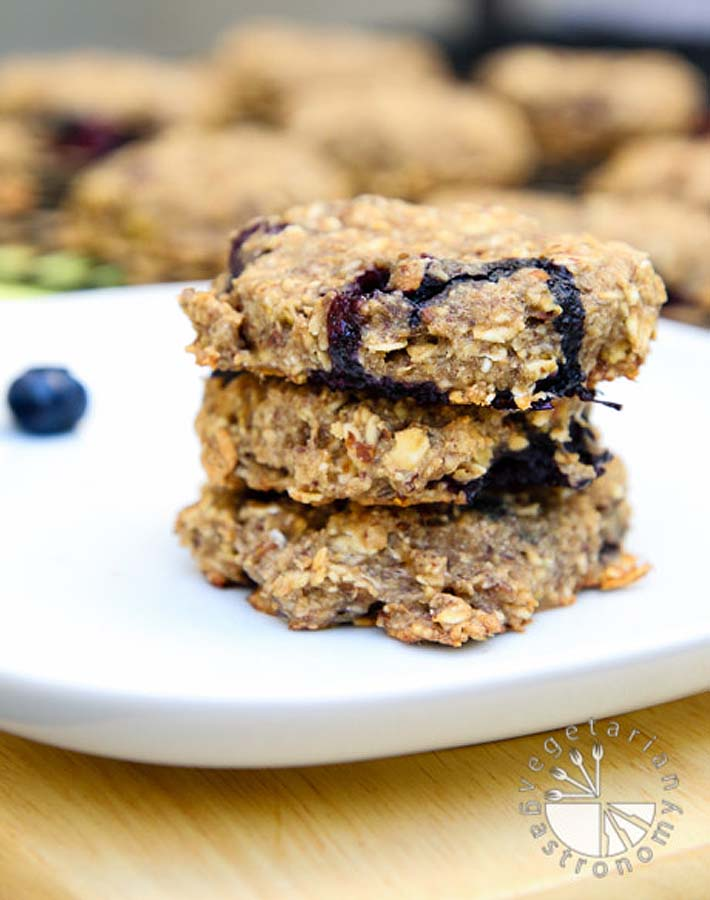 vegan-gastronomy-blueberry-banana-breakfast-cookies-6
